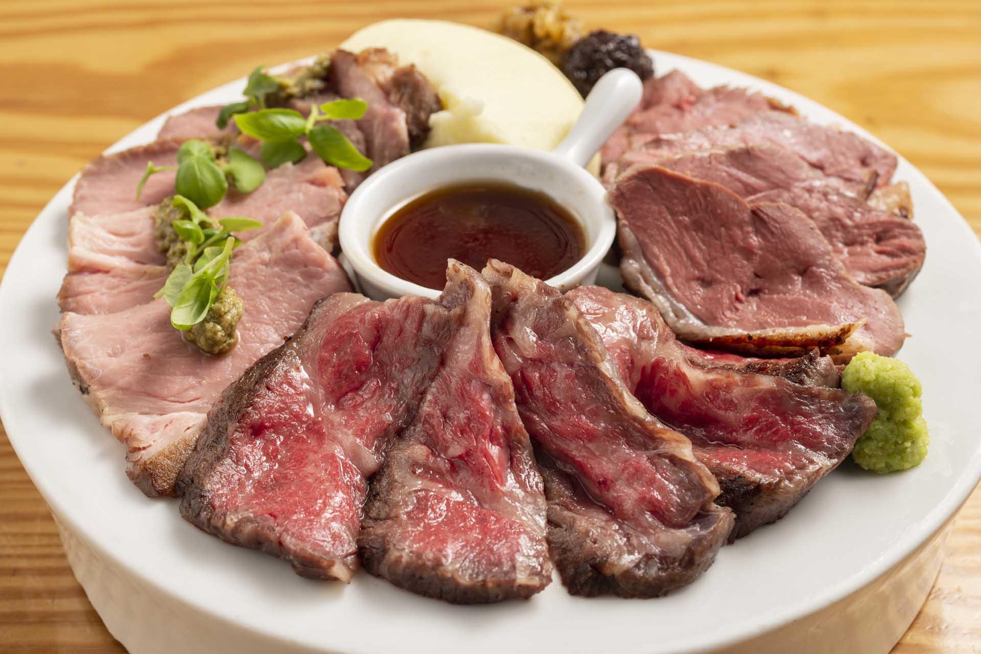 低温調理肉の盛合せ